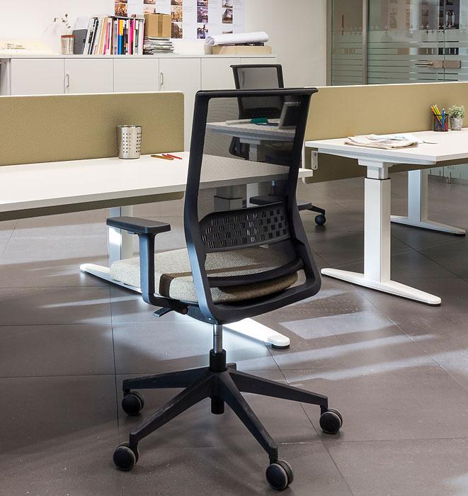 Silla de oficina stay actiu de actiu muebles y sillas de for Muebles y sillas para oficina