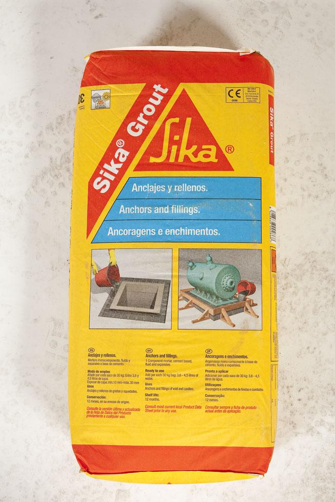 SikaGrout®-213 Mortero monocomponente, fl uido de retracción compensada y ligera